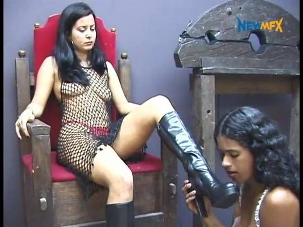 [NewMFX] Rayssa Furtado And Renata - Clean My Dirt (480p)