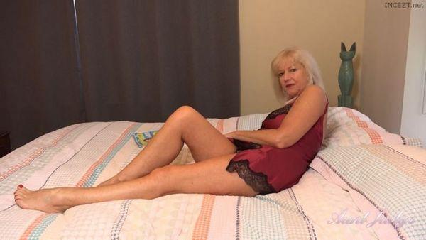Auntie Louise POV Blowjob HD [Untouched 1080p]