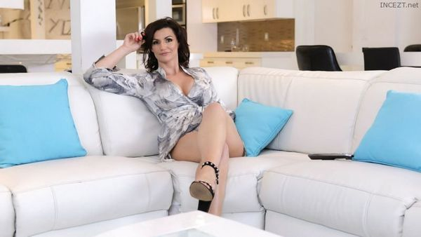 BECKY BANDINI – MILF GAG GAMES HD [Untouched 1080p]