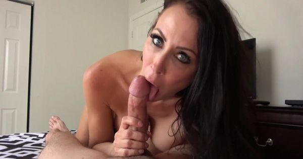 Mom Has A Different Approach To Finding A Release [FamilyManipulation] Reagan Foxx (687 MB)